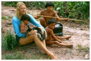 jean-liedloff-with-tribal-boys